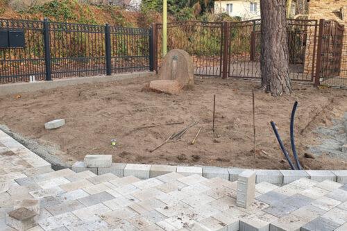 04.12.2020 Dem Gedenkstein hat das Wetter stark zugesetzt